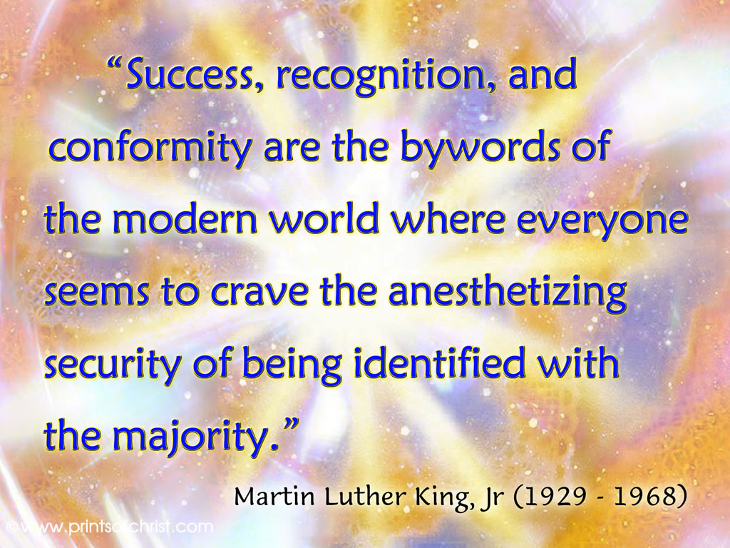 Words of Dr King on Success Background